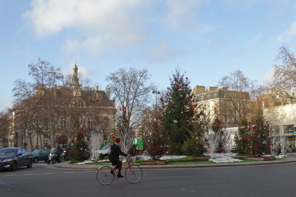 Площадь Вольтер