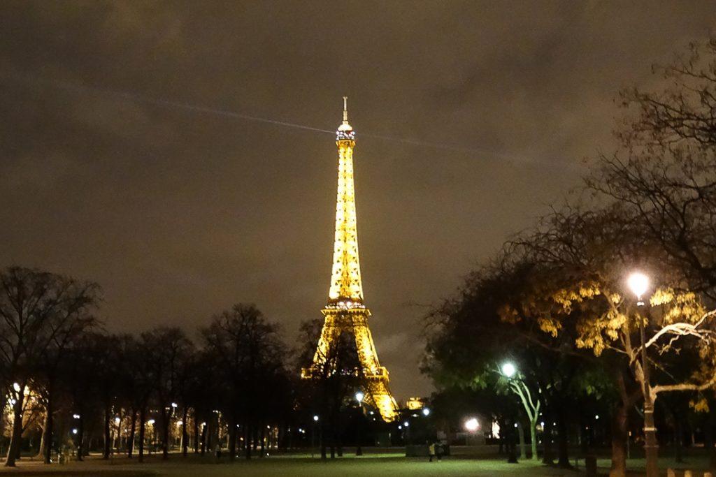 Эйфелева башне