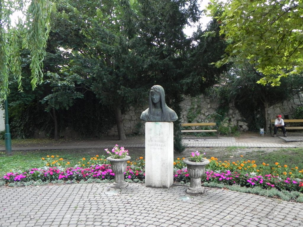 Памятник Габриэле фон Баумбер