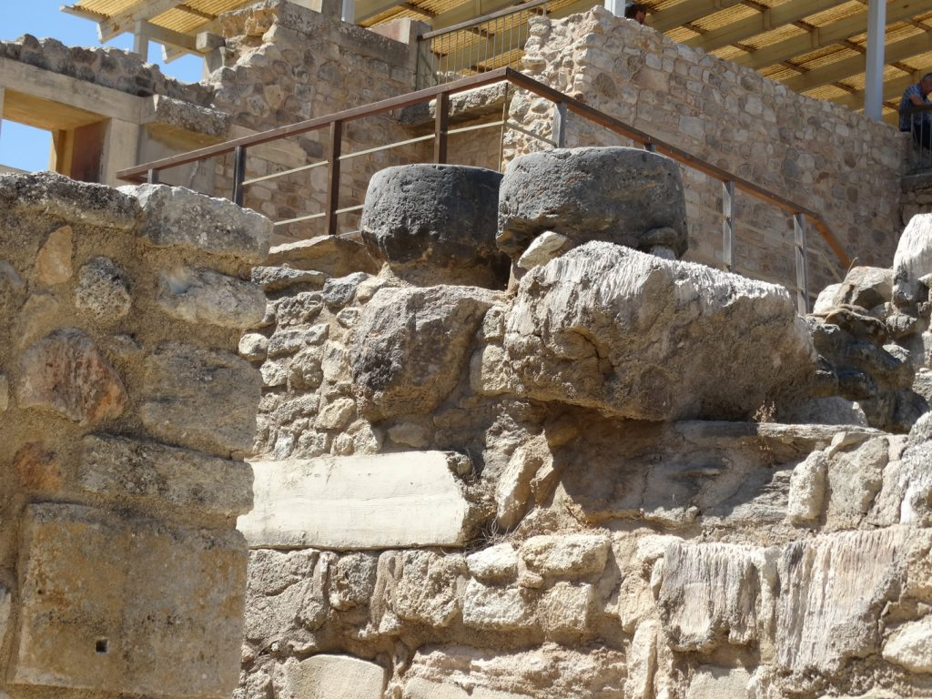 Камни кносского дворца