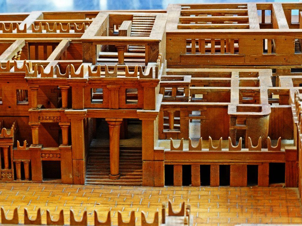 Деревянный макет кносского дворца